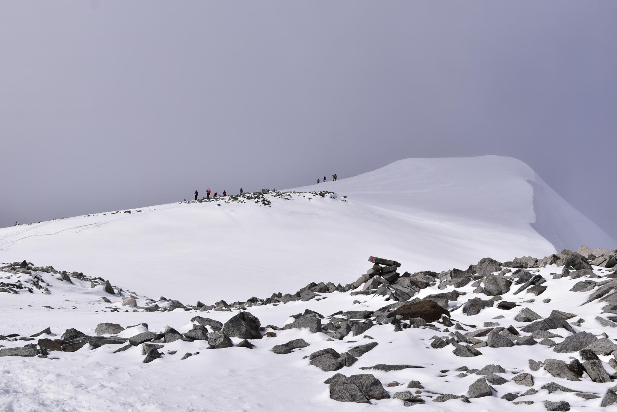 Der Gipfel zeigt sich nur kurz