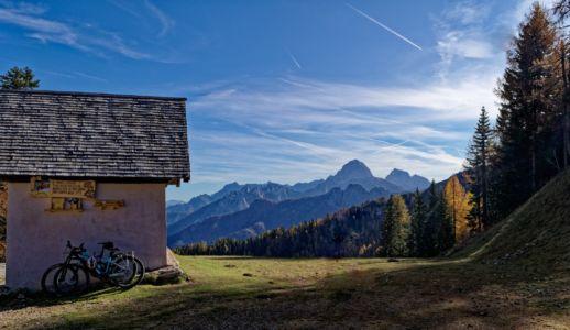 Fahrrad-Stellplatz an der Kapelle oberhalb Malga Lussari