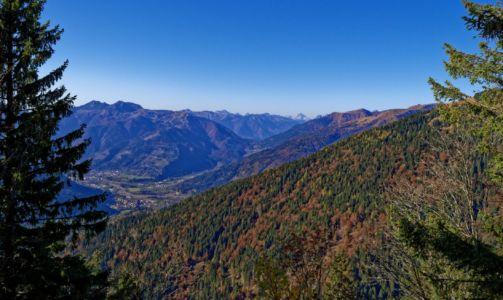 Rückblick auf das Tal um Paluzza