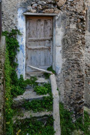 Alte Tür in Morano Calabro