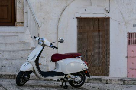 Vespa in Alberobello