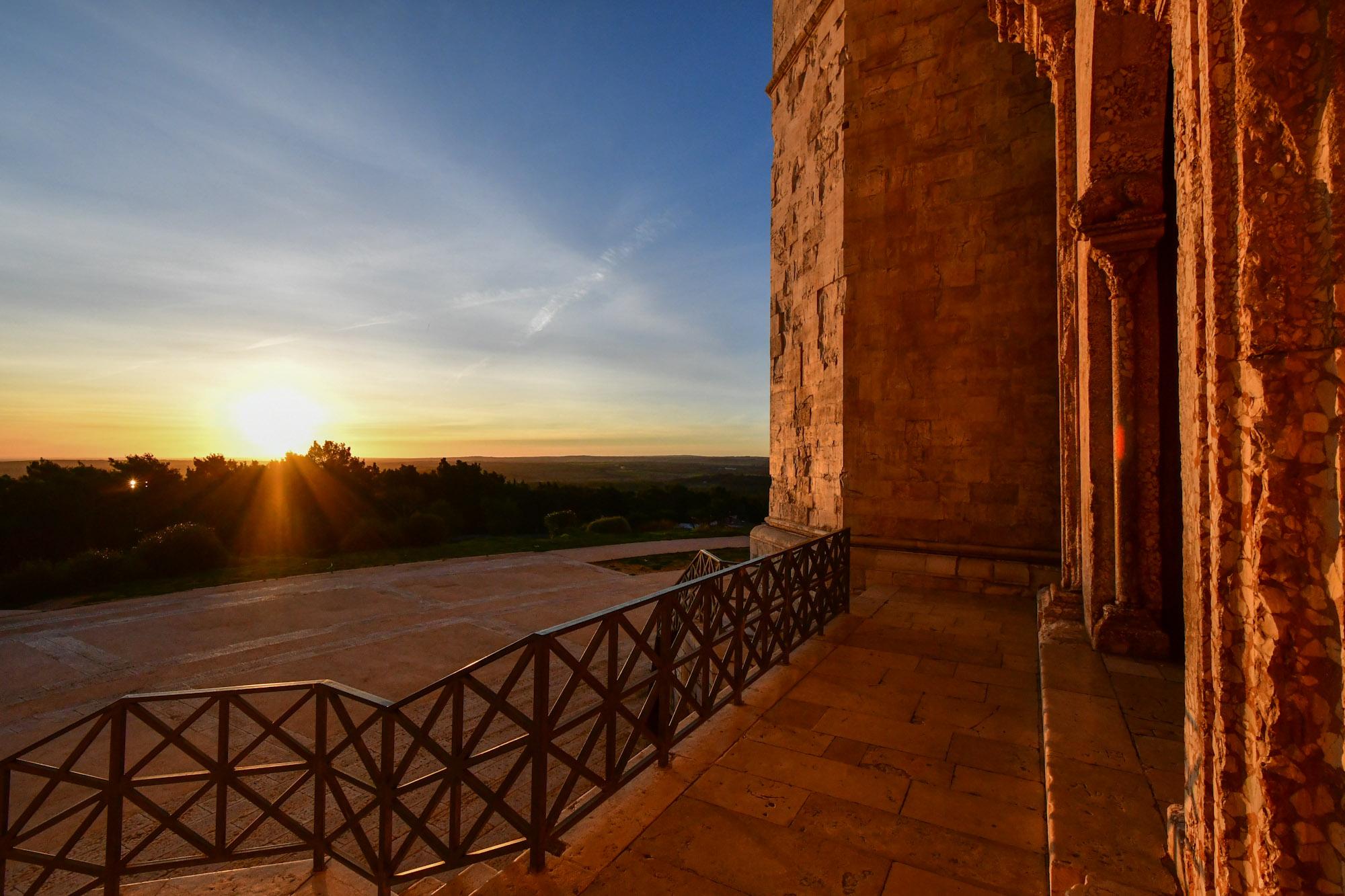 Castel del Monte und Trani