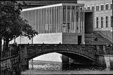 James-Simon-Galerie von der Schlossbrücke