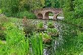 Steinbrücke im Schlosspark Dennenlohe
